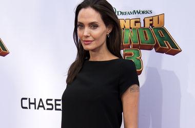 Анджелина Джоли набирает вес в попытке сохранить брак – СМИ
