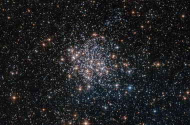 Хаббл запечатлел звездный