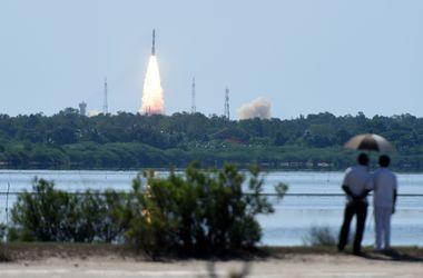 Индия запустила в космос 20 спутников