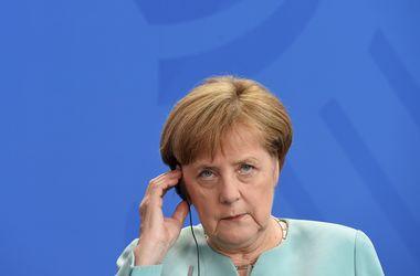Меркель привязала безвизовый режим для Украины и Грузии к механизму его приостановления – СМИ