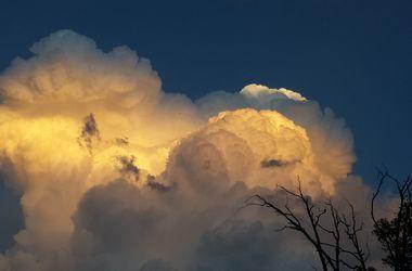 На запад Украины идет большой шторм