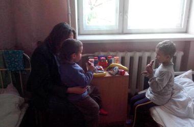 Под Киевом полиция взяла под опеку двух пятилетних мальчиков