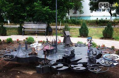 Под Одессой появились солнечные часы, на которых изображены достопримечательности Украины