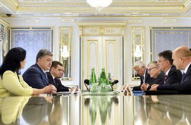 Порошенко обсудил с делегацией немецких госсекретарей процесс реформ в Украине