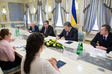 Порошенко подписал изменения в Закон