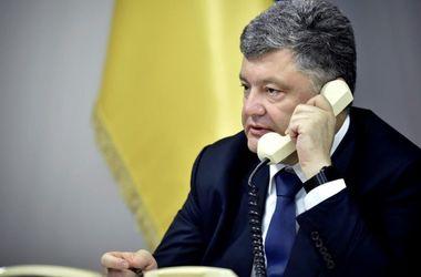Порошенко жестко ответил Садовому: не надо делать на мусоре большую политику