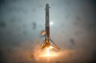 Ракета Falcon 9 неудачно приземлилась на морскую платформу