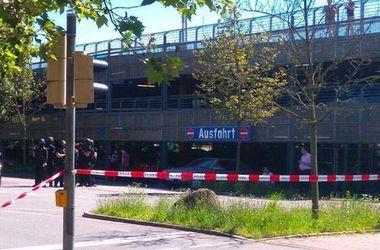 Стрелок, открывший огонь в кинотеатре в Германии, убит (видео)