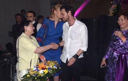68-летняя Нина Матвиенко в ярком наряде побывала на юбилее французского певца (фото)