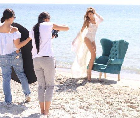 Актрису Марию Горбань подловили на пляже в Одессе в кружевном белье (фото)