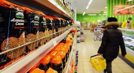 Цены на гречку бьют рекорды: сколько будет стоить крупа к концу лета и почему