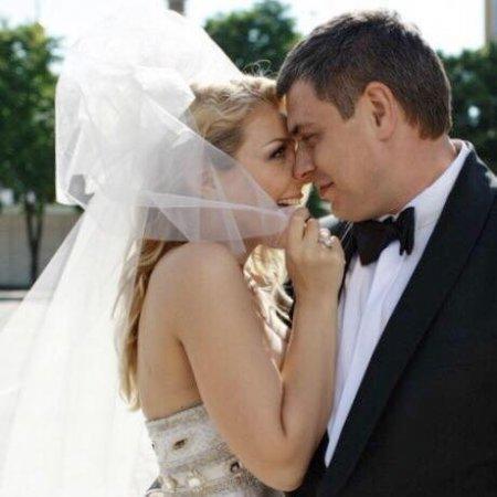 Тина Кароль показала трогательные раритетные снимки с мужем (фото)