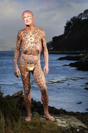 Умер самый татуированный в мире пенсионер