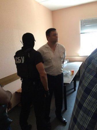 В Киеве полицейский требовал у беременной женщины взятку в 10 тысяч гривен (фото)