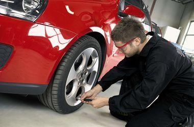 Украинских водителей заставят менять шины по сезону