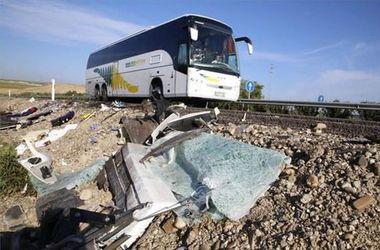В Испании столкнулись автобус и грузовик: двое погибли, 49 – травмированы