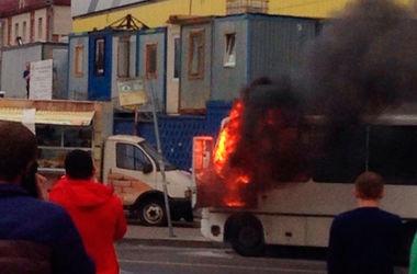 В России взорвалась маршрутка с пассажирами (видео)