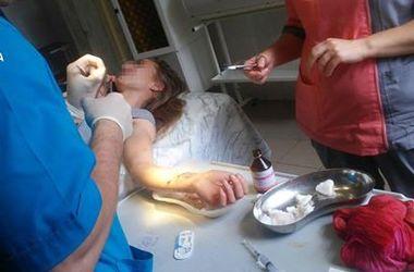 В Тернополе за дамой со вскрытыми венами гонялись медики и копы