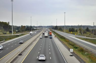 В Торонто произошло массовое ДТП: 12 разбитых машин и пять погибших