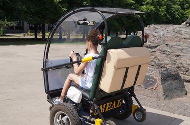 В Украине представили странный новый электромобиль