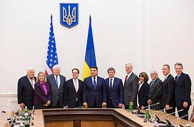 Во время встречи с конгрессменами США Гройсман призвал к сохранению санкций против РФ