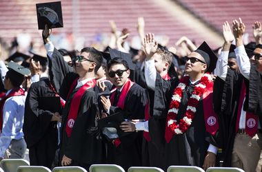 Высшее образование повышает риск развития опухоли мозга – ученые