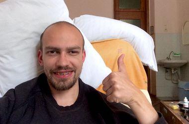 Жестоко избитый в Киеве волонтер пришел в себя в больнице