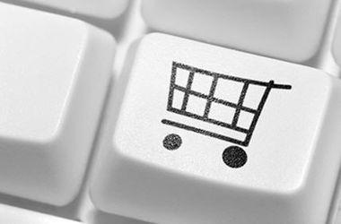 Одежда, спиртное и транспорт: чем торгуют украинцы в сети