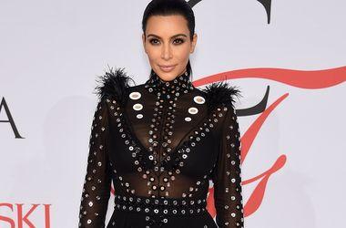 Ким Кардашьян хранит свои вечерние платья для будущего выпускного дочери