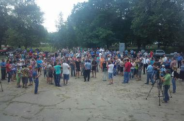 Массовые беспорядки под Одессой: местные жители добились выселения ромов