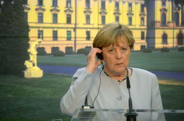 Меркель: Ситуация с безопасностью в Украине, к сожалению, не улучшается, а ухудшается