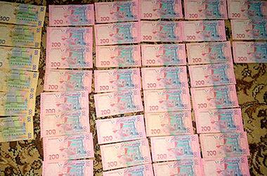 На Волыни врач-депутат больницы скорой помощи вымогал деньги