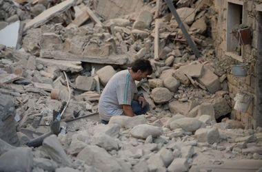 Порошенко хочет отправить украинских спасателей в Италию