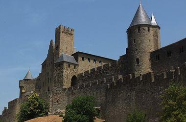 Сумасшедшая француженка сожгла свой замок