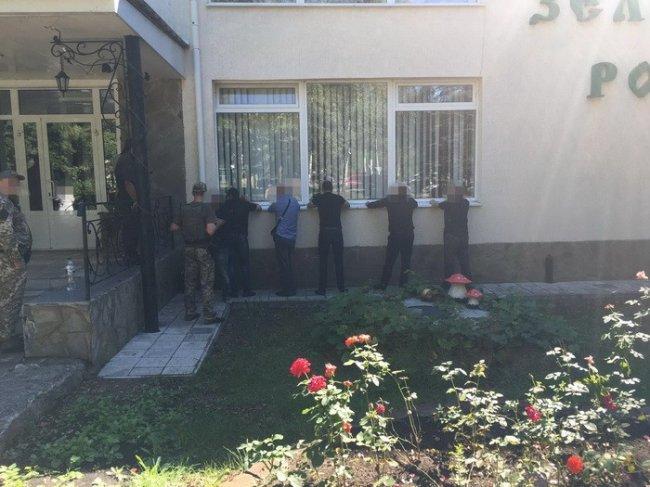 СБУ задержала в районе Святогорска 106 уголовных авторитетов