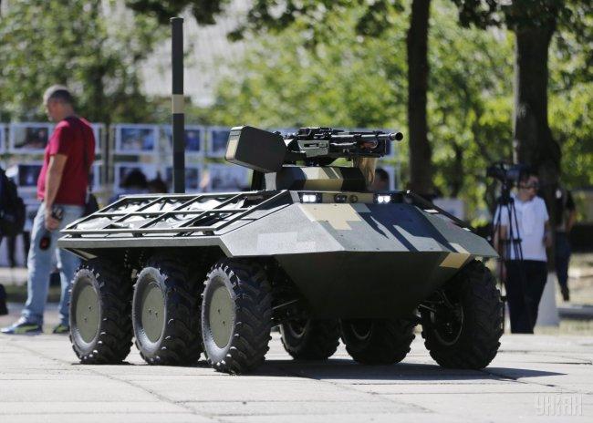 В Киеве показали новый беспилотный минибронетранспортер