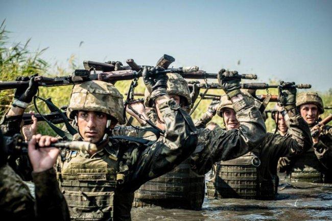 Ряды морских пехотинцев ВМС Украины пополнились сотней черных беретов (20 фото)