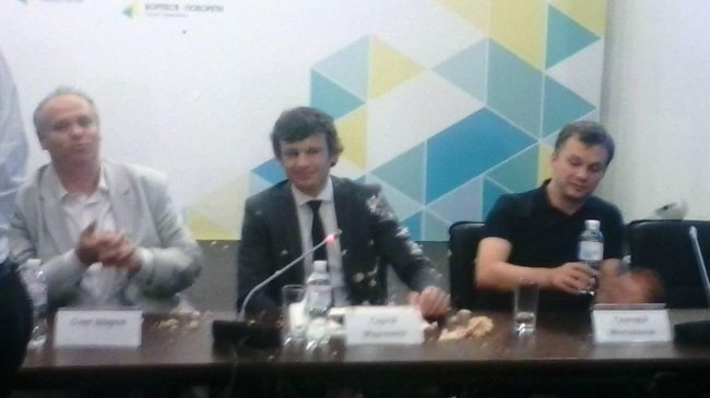 ФОТОФАКТ. В замминистра финансов Марченко кинули торт