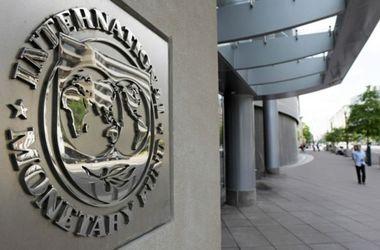 Украина уже год живет без денег МВФ – АП