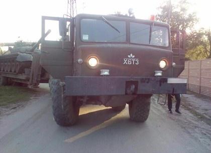 В Харькове тягач с танком наехал на человека (фото)