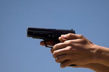 В США неизвестный открыл стрельбу возле больницы – СМИ