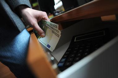 Взятки с хитрецой: какие новые и старые уловки используют коррупционеры