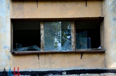 Залпы, взрывы и пожар: Донецк пережил ночь под артобстрелом