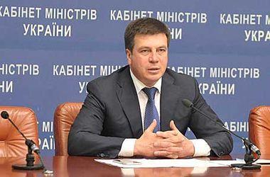 Зубко обсудил с главой МИД Беларуси развитие транспортных коридоров