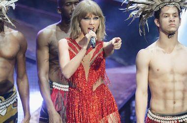Канье Уэст оскорбил Тейлор Свифт во время концерта
