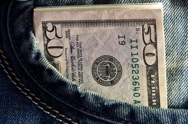 Курс доллара в Украине ползет в гору