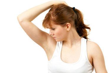 Почему медики не советуют пользоваться дезодорантами