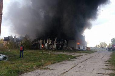 Пожар на складах под Киевом удалось локализовать