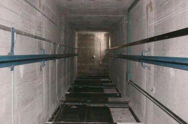 При падении лифта с рабочими в Москве погиб украинец – СМИ