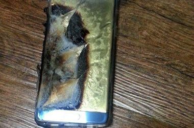 Samsung потерял $10 млрд из-за взрывающихся смартфонов